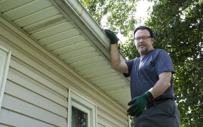5 Tips for Cleaning Gutters
